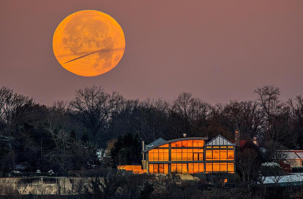 Moonset photo by Preston Stahly